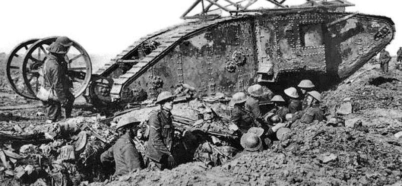 Tengerészek vetették be az első tankot 95 éve