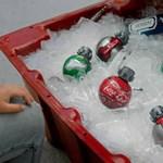 Tilos repülőre vinni a Coca-Cola új, Star Wars-os üdítőit, mert úgy néznek ki, mint a gránátok
