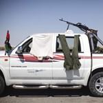 Tűzszünetre szólított fel a líbiai miniszterelnök