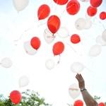 Fotó: léggömbökkel tüntettek a szklerózis multiplex világnapján