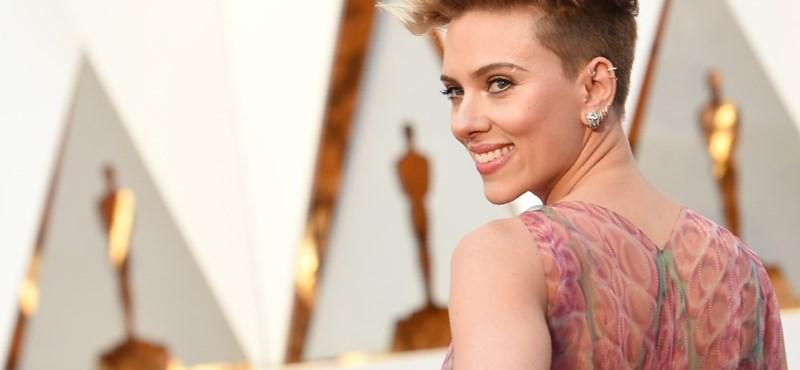 """""""Szeretem Woodyt és hiszek neki"""" – Scarlett Johansson kiáll a zaklatással vádolt rendező mellett"""