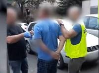 Eladás közben csaptak le a dílerre a rendőrök - videó