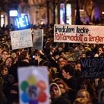 Tízezrek mehetnek el a vasárnapi tüntetésre