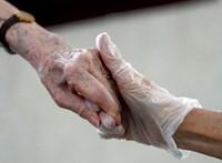 Az év eleje óta titkolja a kormány, hányan várnak idősotthoni elhelyezésre