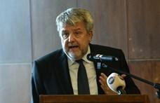Gulyás Gergely lovagkeresztet adott a Békemenetet szervező CÖF alapítójának