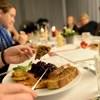 Optimális étrend: fiatalon inkább zsírt, idősebben szénhidrátot érdemesebb bevinni