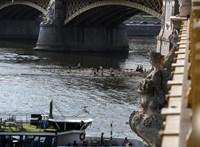 Baleset volt a Margit hídon, de már jár a villamos
