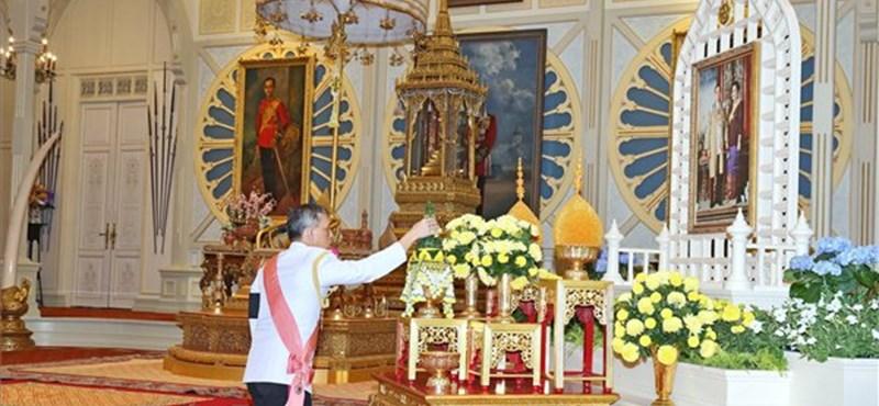 Megkegyelmezett X. Ráma, tízezrek előtt nyílik ki a börtönajtó Thaiföldön