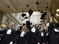 Palkovics megerősítette: a nyáron államvizsgázók is megkapják a diplomát nyelvvizsga nélkül