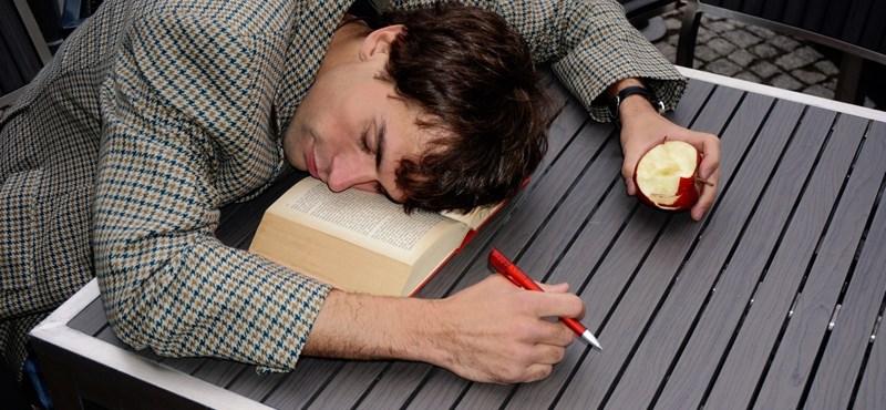 Tévúton az iskola: a tudáshoz nem bebiflázni kell a tananyagot, hanem felejteni kell
