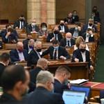 Már kedden szavazna a kormány további felhatalmazásáról a parlament