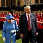Erzsébet királynő szó szerint odaszúrt Trumpnak