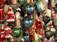 Brit tanácsok karácsonyra járvány idején: Ne legyen se társasjáték, se közös éneklés