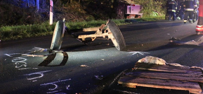 Három fiatal halt meg a csütörtöki lovaskocsis balesetben