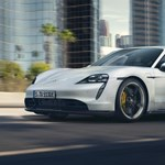 Csalódást keltő a Porsche 680 lóerős villanyautójának a valós hatótávja