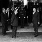 Ez a fotó mindent elmond: így tétovázott Kádár János a kommunista csúcstalálkozón