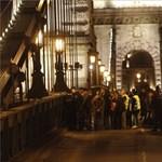 Spontán tüntetésként jelentették be a hídfoglalást Büki Zoltánék