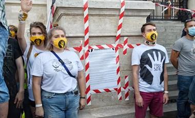 Kiállnak az SZFE mellett az osztrák művészeti egyetemek
