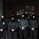 Együtt vonultak Ungváron magyar és ukrán maszkos szélsőségesek