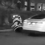 Nem volt elég emberi a humanoid robot a Teslának, elcsapta – videó