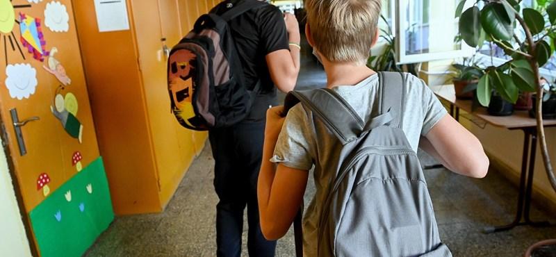 Hiába a pozitív teszt, nem minden iskolában rendelnek el karantént