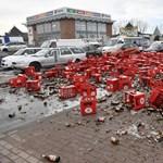 Durva: rengeteg sör tört össze egy balesetben Dunaharasztiban – fotók