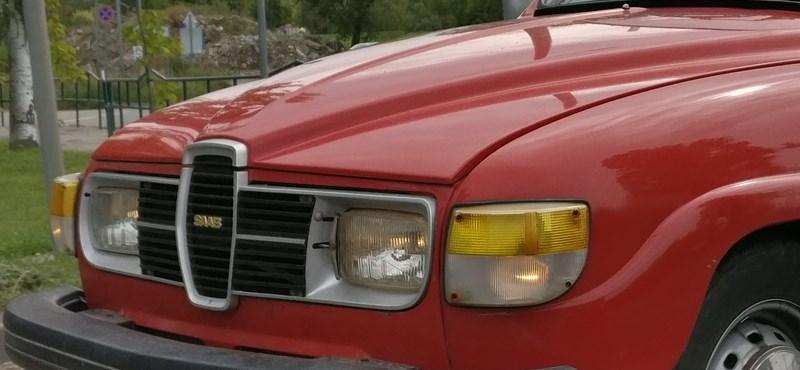 A nap fotója: egy megboldogult gyártó ikonikus autójába botlottunk Szentendrén