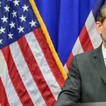 Ügyészként túl enyhe büntetést kért szexuális visszaélésért, lemondott az amerikai miniszter