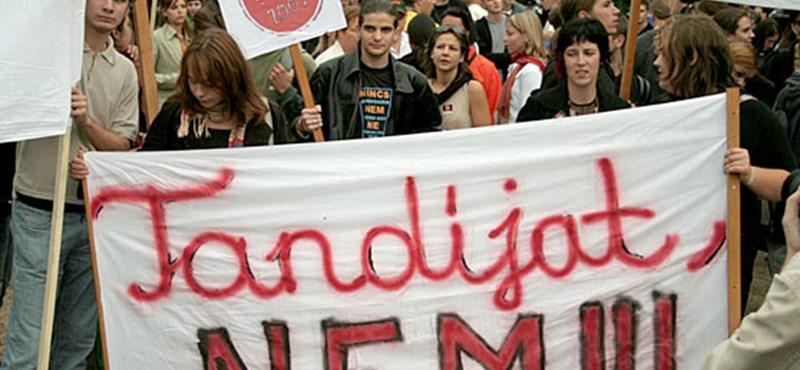 """""""Az egyetemisták nem elkényeztetett sihederek"""" - folytatódik a tandíjvita"""