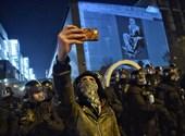 A kormánypárti média volt a tüntetések fókuszában hétfőn