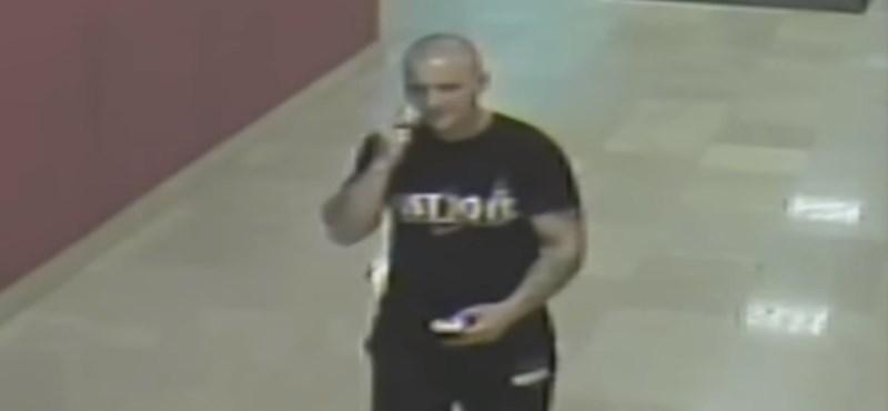 Plázában nyúlt le telefonokat ez a férfi, ki ismeri fel? – videó