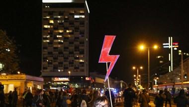 Hatályba lép a szigorított lengyel abortusztilalom, új erőre kaptak a tüntetések