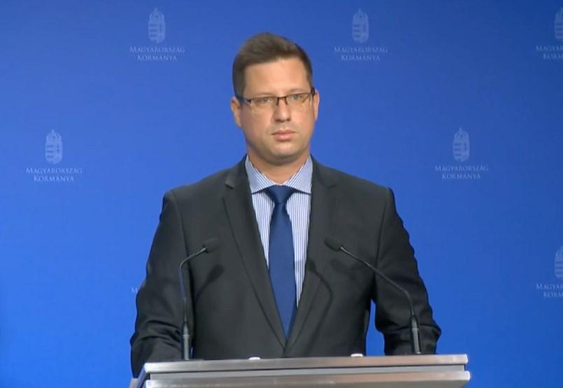 Gergeli Golias: El gobierno no está pensando en los cierres - información gubernamental minuto a minuto