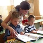 Orbán a kirúgásokból fedezheti a tanárok béremelését