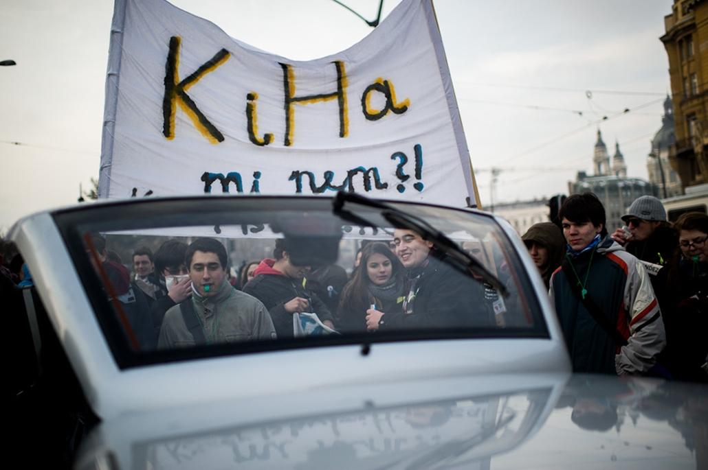 Hallgatói Hálózat tüntetés, Deák tér, egyetemfoglalás, Elte, Haha