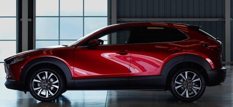 Vöröslő, de arany középút: megnéztük a vadonatúj Mazda CX-30 hibrid divatterepjárót