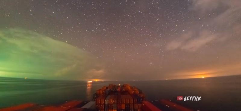 Elképesztően szép dolgok történnek a nyílt óceánon – time lapse videó