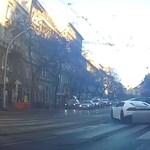 Eljárás indult a nagykörúti villamossíneken száguldó lamborghinis ellen