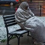 Itt a fagy, nemcsak a hajléktalanokra, az egyedül élőkre is oda kell figyelni