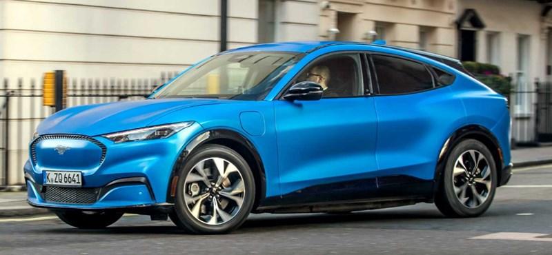 Tíz perc alatt 100 kilométeres hatótáv nyerhető az új elektromos Mustanggal