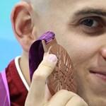 Cseh bronzérmes, Phelps győzött, Lochte a második