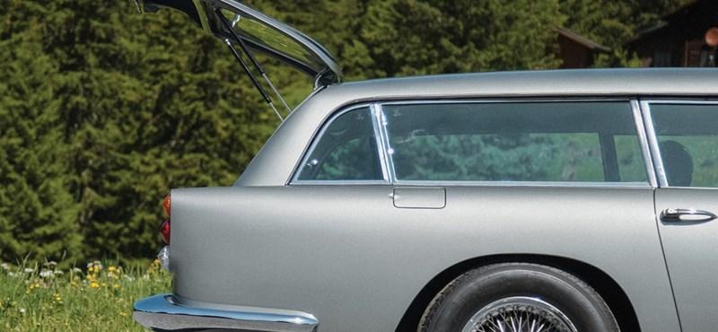 Eladó egy szuperritka, kombi kivitelű James Bond-autó