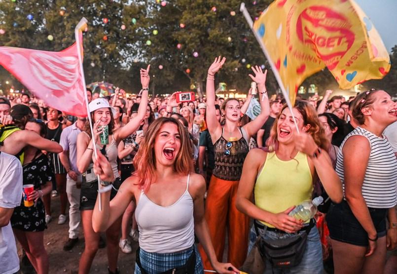 Kormányinfó: Újabb kétmilliárdot kapnak a fesztiválok és a könnyűzenei klubok