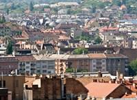 72 ingatlant ad el Budapest, milliárdos bevételt vár