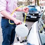 Benzines, dízel-, hibrid- vagy elektromos autót? Előnyök, hátrányok