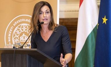 200 millió forintért vásárolt lakásokat és garázst Varga Judit és férje