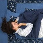 Háton, hason, magzatpózban: jelent-e valamit, hogyan alszunk?