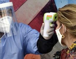 A magyar felnőttek háromnegyede még mindig viseli az arcmaszkot