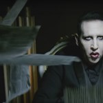 Kirúgta nemi erőszakkal vádolt zenészét Marilyn Manson