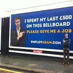 Óriásplakáton keres munkát egy brit fiú - fotó